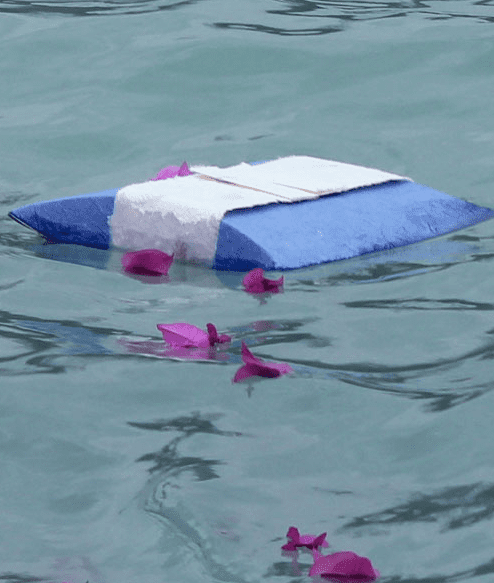 Urn for Water Floating